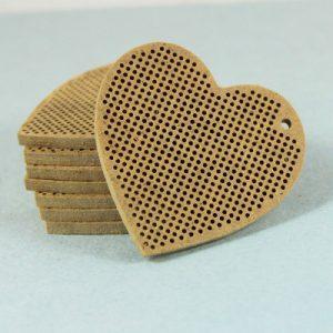 Основы для вышивки Дивная вишня «Сердце с петлей сбоку»