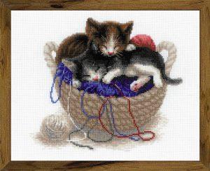 Набор для вышивания крестом Риолис «Котята в корзине»
