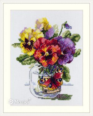 Набор для вышивания Мережка «Анютины глазки и бабочка» К-153