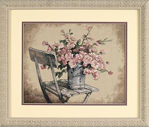 Набор для вышивания DIMENSIONS «Розы на белом стуле»