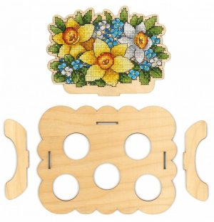 Набор для вышивания на деревянной основе М.П.CТУДИЯ «Подставка Цветочная под яйца» О-012