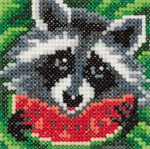 Набор для вышивания крестом Klart «Енот с арбузом» 8-290