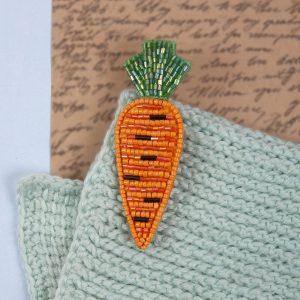Набор для вышивания бисером Klart «Брошь. Морковь» 10-015