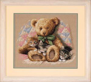 Набор для вышивки крестом Dimensions «Мишка и котята» DMS-35236