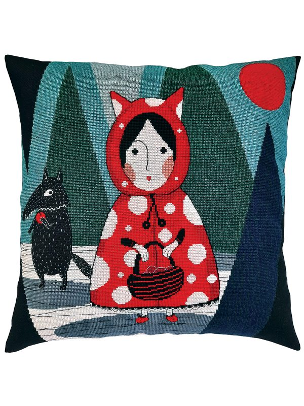 Купить Набор для вышивания подушки крестом РТО «У неё есть красное пальто с капюшоном. она носит его каждый день» CU070